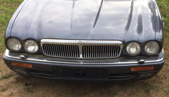 Frontbumper with Powerwash BEC19902XXX JAGUAR XJ300-XJ308 Body