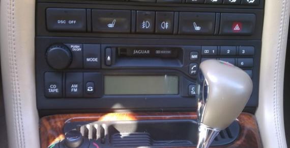 Auto radio-cassette incl code JAGUAR XK8 - XKR Elektrisch
